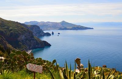 Aeolian Islands Praamid
