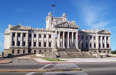 Buenos Aires Colonia Praamid